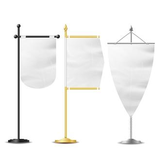 Tabela de bolso de bandeiras brancas em branco