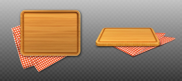 Tábua de corte de madeira e toalha de mesa xadrez vermelha