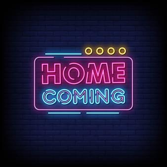 Tabuleta de néon vindo em casa na parede de tijolo