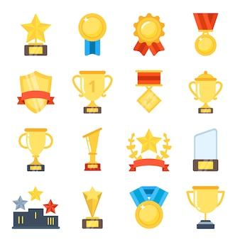 Taças de ouro para vencedores e outros troféu de esporte