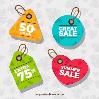 Tags coloridas com vendas de verão