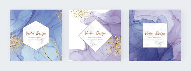 Tampas quadradas de textura de tinta de álcool azul e roxa com confete de glitter dourado e moldura de mármore.