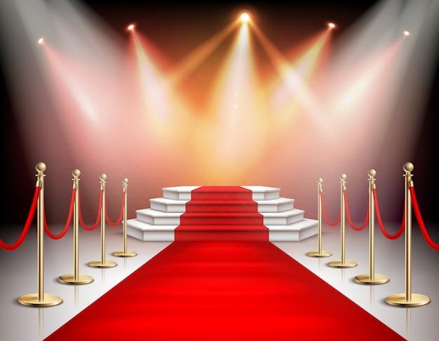 Tapete vermelho realista e pedestal com cercas de iluminação e barreira com corda de veludo