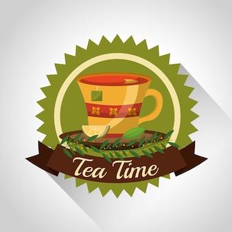 Teacup de chá de ervas no prato e decoração de flores carimbo
