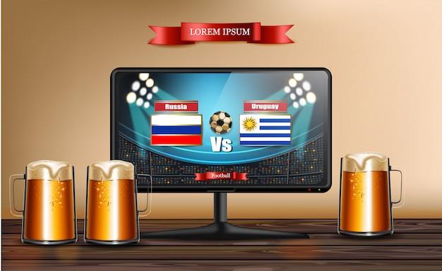 Tela de tv com jogo de futebol e canecas de cerveja