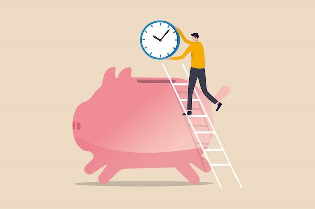 Tempo é dinheiro, as pessoas pagam dinheiro para comprar o tempo mais importante para o sucesso no conceito de objetivos financeiros, homem de sucesso usando a escada para subir e segurando o grande relógio ou relógio colocado no cofrinho rosa de poupança