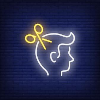 Tesoura e homem sinal de néon da cabeça