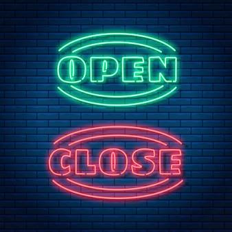 Texto aberto e próximo de néon brilhante sinal brilhante. abrir ou fechar a loja, armazenar ou bar ícone, banner no estilo neon.