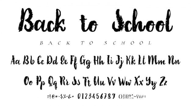 Tinta do alfabeto latino - crachá de volta à escola.