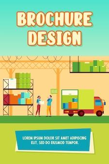 Trabalhador de logística e caminhão de carregamento de correio. ilustração em vetor plana caixa, pacote, armazém