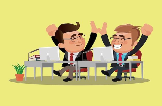 Trabalhadores de escritório de trabalho em equipe dão cinco uns aos outros