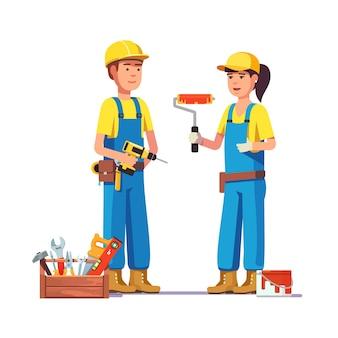 Trabalhadores em uniforme