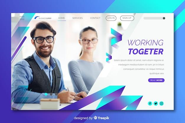 Trabalhando juntos a página inicial de negócios com foto