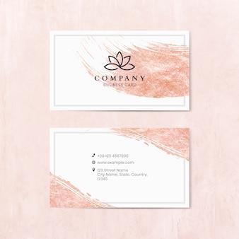 Traçado de pincel-de-rosa em um modelo de cartão