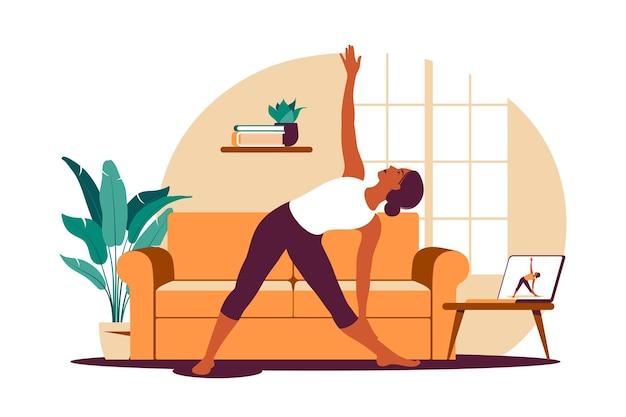 Treino online. mulher fazendo ioga em casa. assistindo tutoriais em um laptop. exercício esportivo em um interior aconchegante. ilustração. apartamento.