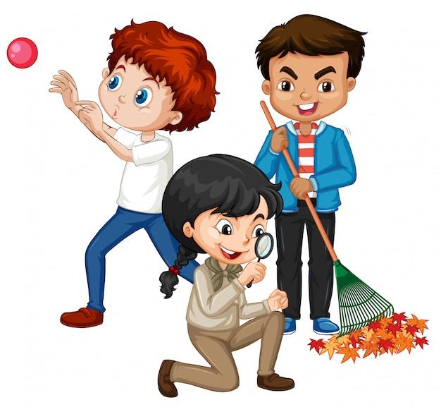 Três crianças fazendo coisas diferentes