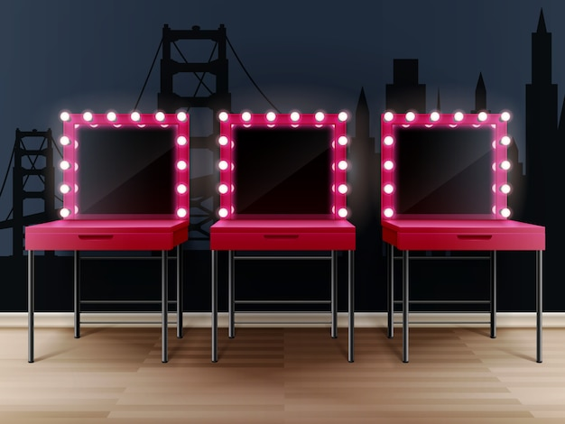 Três espelhos de maquiagem rosa com mesas