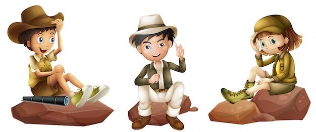 Três jovens exploradores