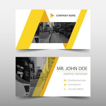 Triângulo amarelo design de modelo de banner abstrato
