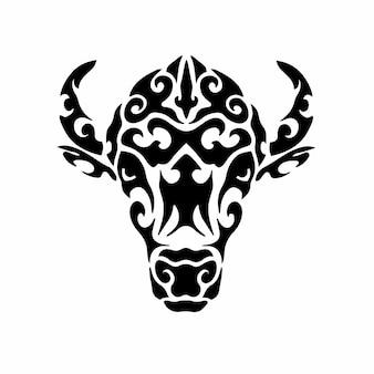 Tribal bison head logo tattoo design stencil ilustração em vetor