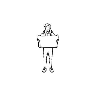 Turista com mochila segurando um ícone de doodle de contorno desenhado de mão do mapa. mapa de rota e navegação, conceito de viagem