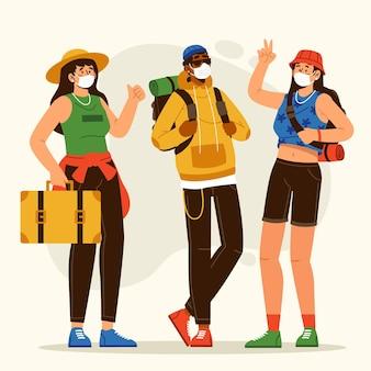 Turistas usando máscaras