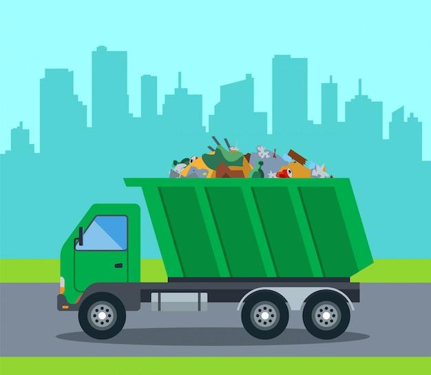 Um caminhão retira o lixo de uma cidade para um aterro. ilustração plana