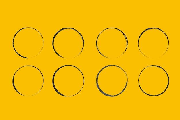 Um círculo desenhado por um pincel vector doodle quadro para uso de design círculos grunge
