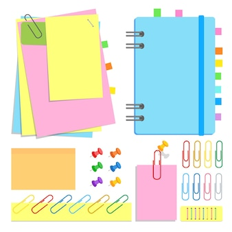 Um conjunto de chancelaria. caderno fechado em espiral, folhas pegajosas de diferentes formas e cores, marcadores de página, alfinetes, clipes, grampos.