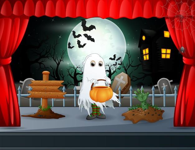 Um fantasma se apresentando no palco de halloween