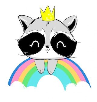 Um guaxinim bonito em uma coroa senta-se em um arco-íris.