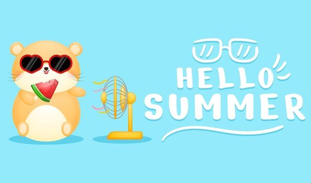 Um hamster fofo segurando um sorvete de melancia com uma faixa de saudação de verão