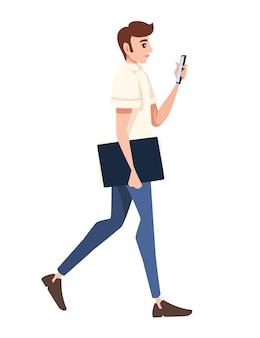 Um homem segura em uma mão uma pasta para papel, na outra, uma ilustração em vetor plana de desenho de personagem de desenho animado para smartphone