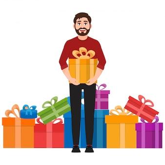 Um homem segura um presente