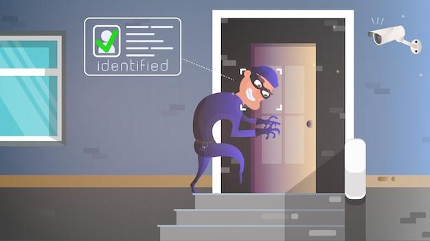 Um ladrão entra furtivamente na casa.