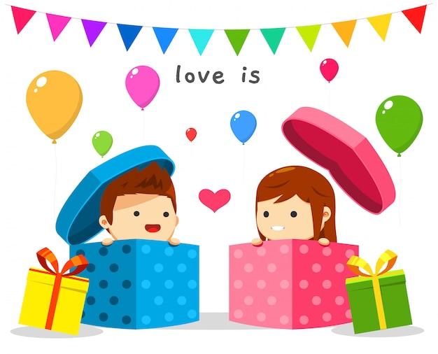 Um menino e uma menina dentro da caixa