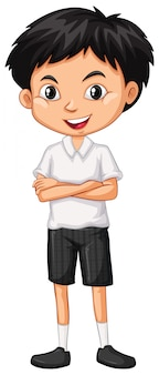 Um menino feliz, de pé em branco