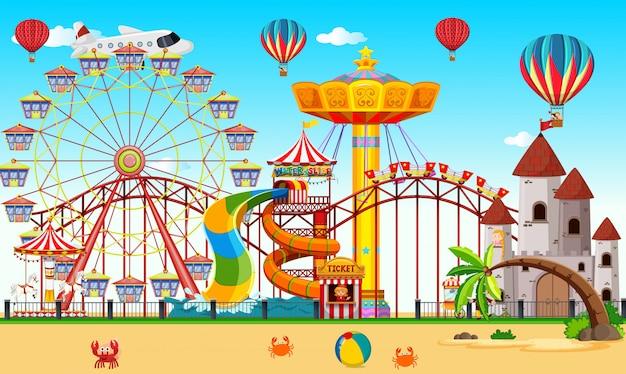 Um parque de diversões ao lado da praia