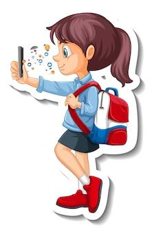 Uma aluna usando um adesivo de personagem de desenho animado com smartphone