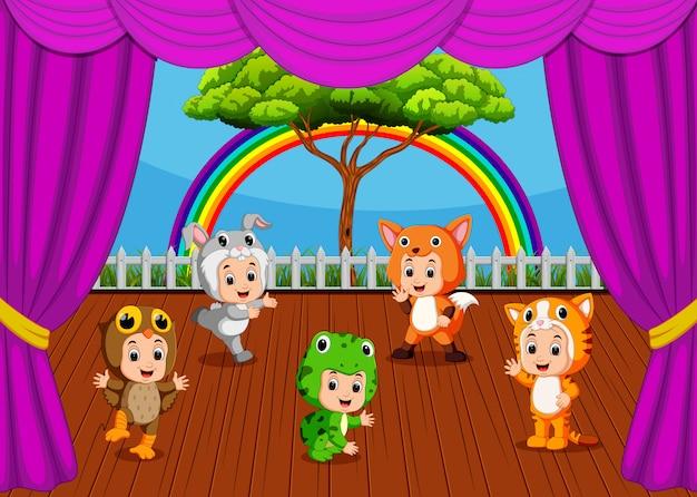 Uma coleção de fantasias de animais engraçados