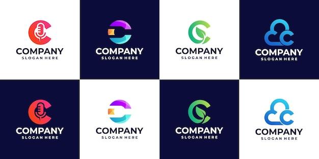 Uma coleção de logotipos de gradiente de letra c