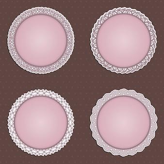 Uma coleção de quatro bordas circulares detalhadas