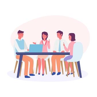 Uma equipe de negócios está discutindo planos de vendas para os próximos meses