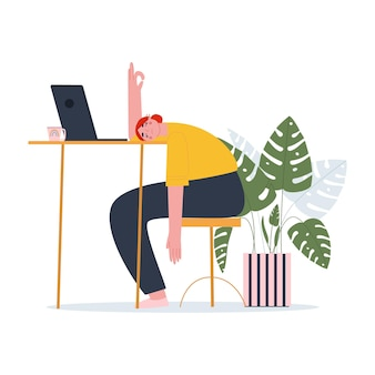 Uma garota deitada de bruços na mesa um estudante cansado de estudar um gerente sob estresse
