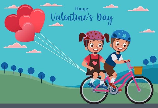 Uma menina e um menino juntos andando de bicicleta com um balão rosa em forma de coração e comemoram o dia dos namorados Vetor Premium
