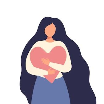 Uma mulher abraça um coração, um símbolo de amor próprio, corpo positivo, força feminina.