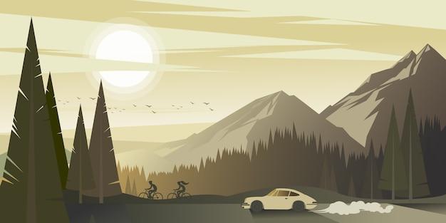 Uma viagem para as montanhas de carro em uma noite quente de verão