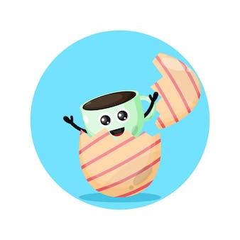 Uma xícara de café, mascote da personagem fofa do ovo da páscoa