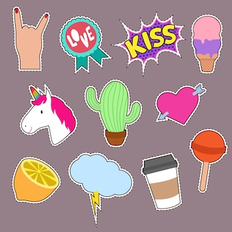 Unicórnio, cacto, ícones de palavra beijo bordado. coleção de patches de moda bonito menina