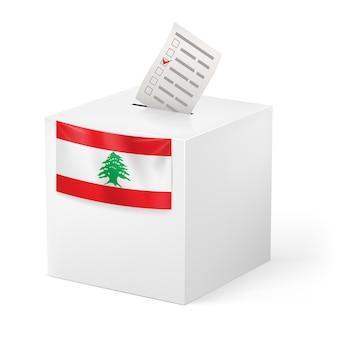 Urna com boletim de voto. líbano